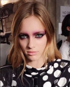 spring summer makeup beauty trends 2017 pastel eyes smokey violet