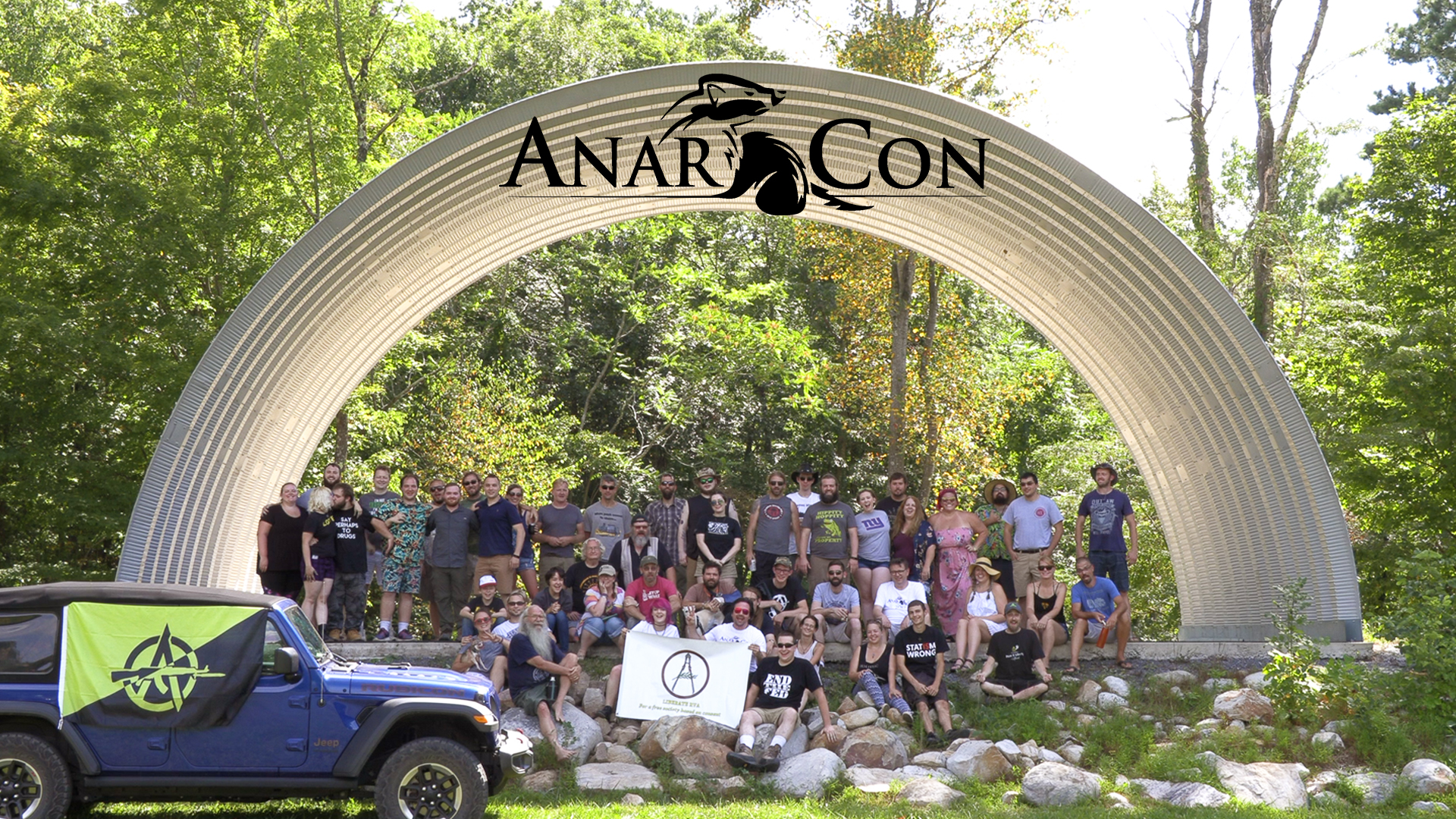 group photo of anarcon attendees