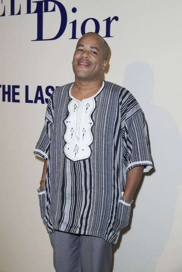 www.elle.fr /Zubin Cooper at the Cannes. He killed this beautiful gray stripped dakashi shirt. Classic, a suit would have still been nice, but the man stay true to his #roots