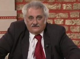 Video: Deputatul Nicolae Bacalbașa a fost huiduit în fața Palatului Parlamentului