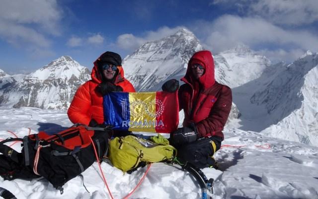 Premieră mondială pentru România în Himalaya: o echipă de alpiniști români a cucerit muntele Pumori
