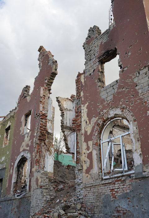 Abitazioni sul fronte di guerra, distrutte durante i vari scontri.