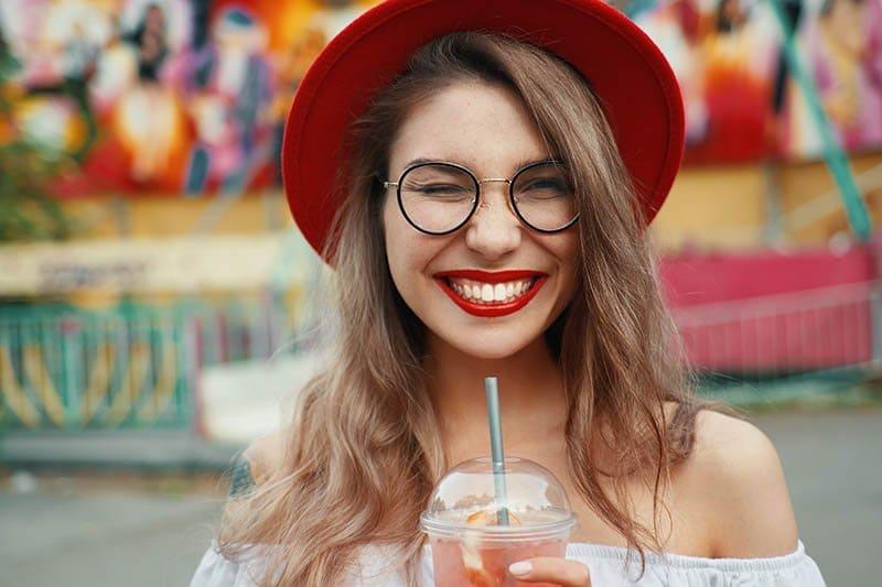 5 Natural Teeth Whitening Remedies