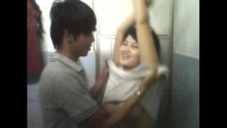 Sex sa shower room habang na ka record ng palihim