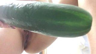 Sawa na sa tite kaya cocumber naman ang dinale