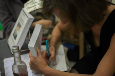 Céline Flory en dédicace à la librairie Maruani