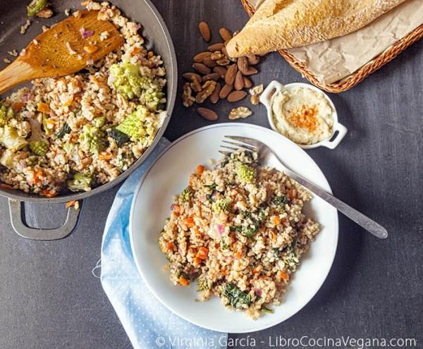 Verduras con arroz integral, por Virginia García - Libro Cocina Vegana