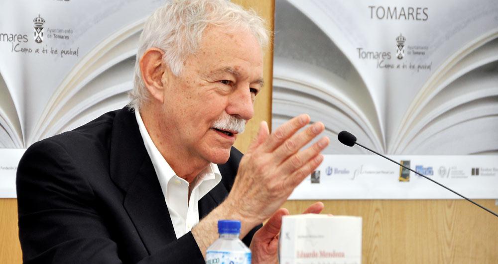 Eduardo Mendoza abrirá la Feria del Libro de Tomares