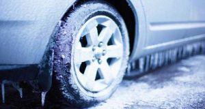 Automobil zima