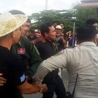 Cambodia - Six human rights activists  arrested