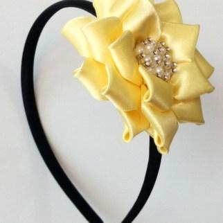 diadema kanzashi flor amarilla