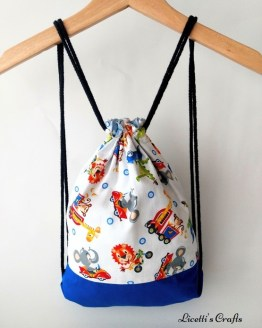 Mochila reversible animales conduciendo