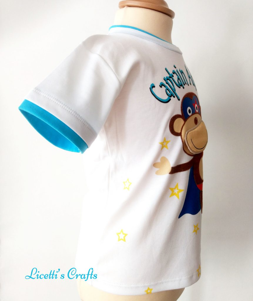 Detalle costado camiseta algodón pima mono super héroe
