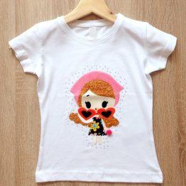 camiseta manga corta hecha a mano con muñeca en relieve