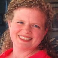Head Lice Removal Technician Kathy Aragon