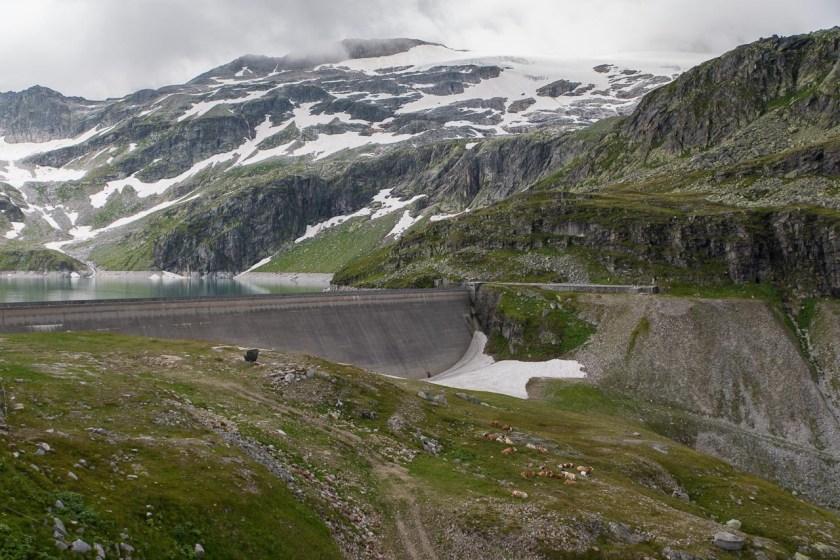 Der Gebirgsstausee Weißsee wird hauptsächlich vom Schmelzwasser des Sonnblickkees gespeist