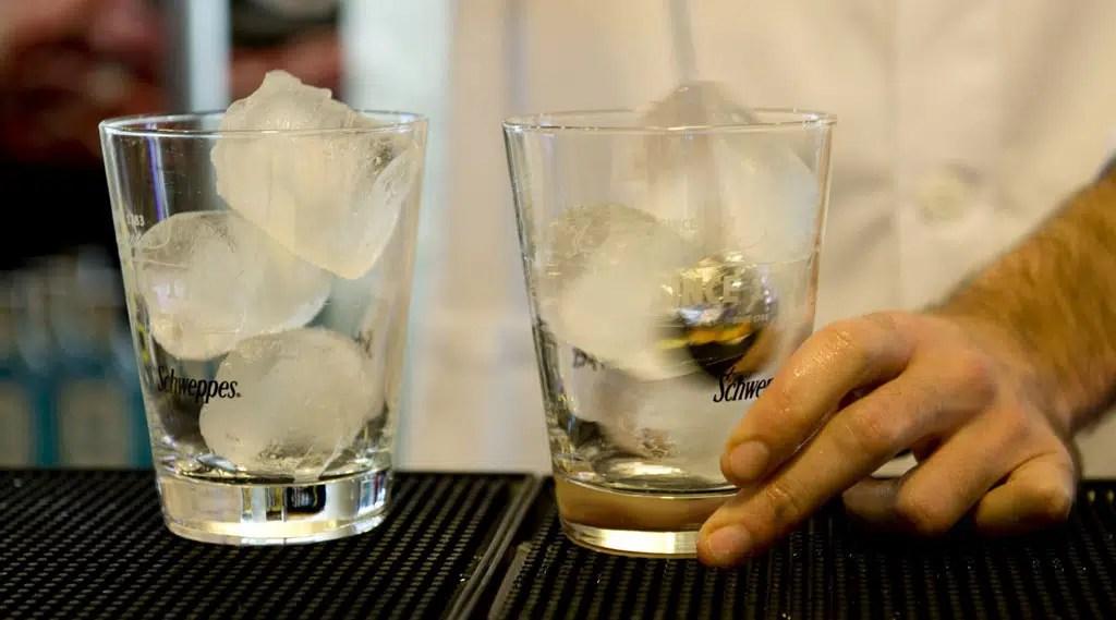 Dos mujeres ganan los premios al mejor gin tonic en Valencia