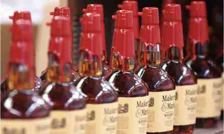 Maker's Mark reduce su alcohol y lo vuelve a subir