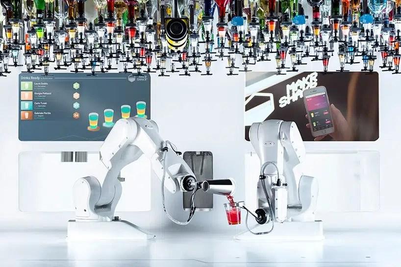 El primer coctelero robot se llama Toni