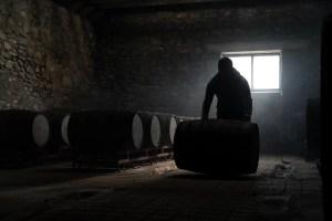 Outlaw Rum es envejecido a la perfección en los barriles de roble