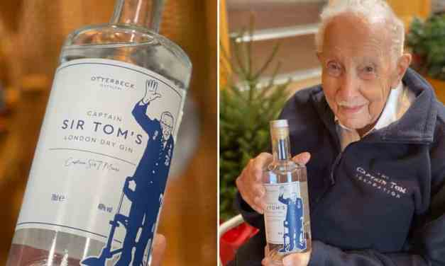 Disponible Captain Sir Tom, de la marca London Dry Gin