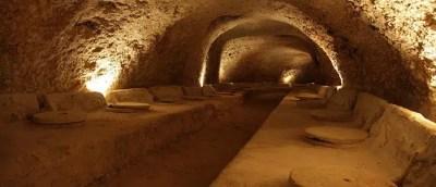 En vino de Celler del Roure se elabora en tinajas de barro