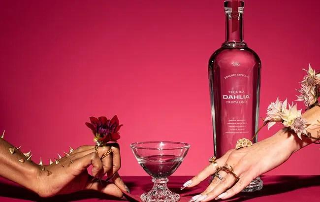 Dahlia, tequila cristalino de los fundadores de Mezcal El Silencio