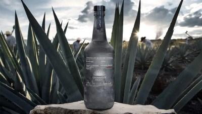 Casamigos Tequila, ventas de mezcal