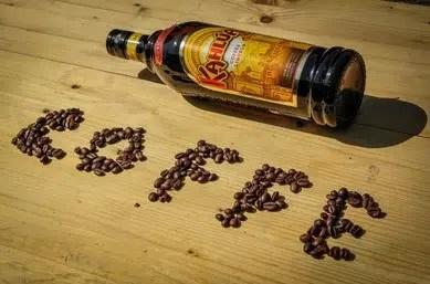 Kahlúa: licor de café mexicano, popular desde 1936