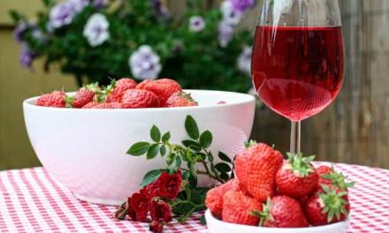Vinos de frutas y 1 receta a base de fresas