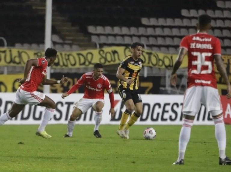 Táchira remontó y venció al Internacional de Brasil