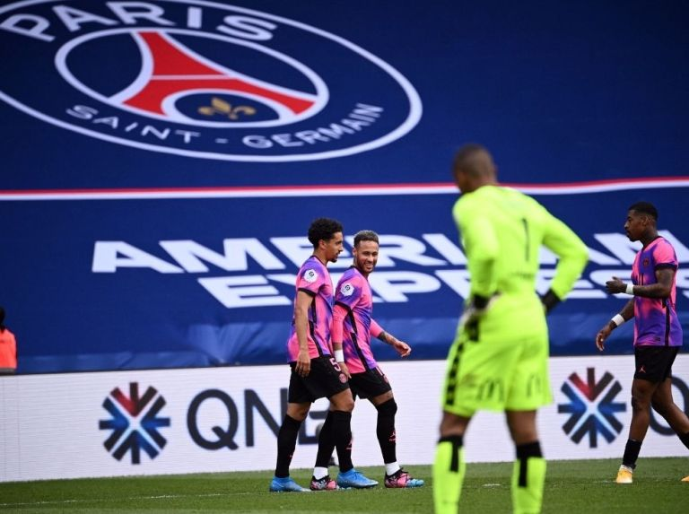 Wilker started in his first Ligue 1 game against PSG