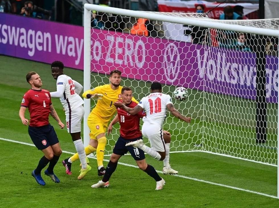 Inglaterra avanza a octavos como primera del grupo D