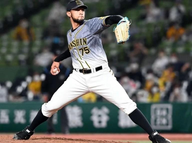 Robert Suárez reaches 40 saves against Yomiuri