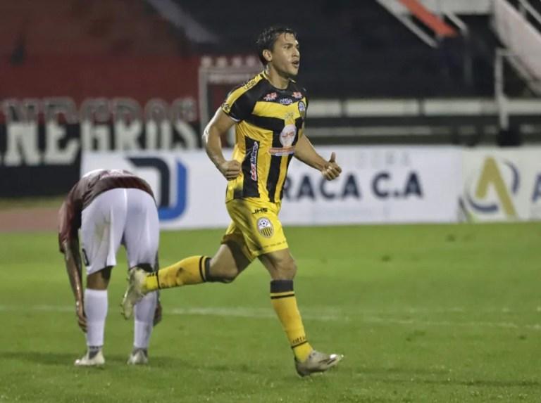Michael Covea vuelve al fútbol argentino