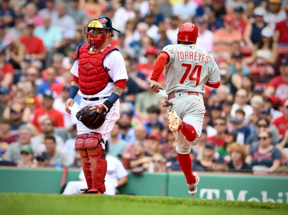 Torreyes went to the street in victory for the Phillies