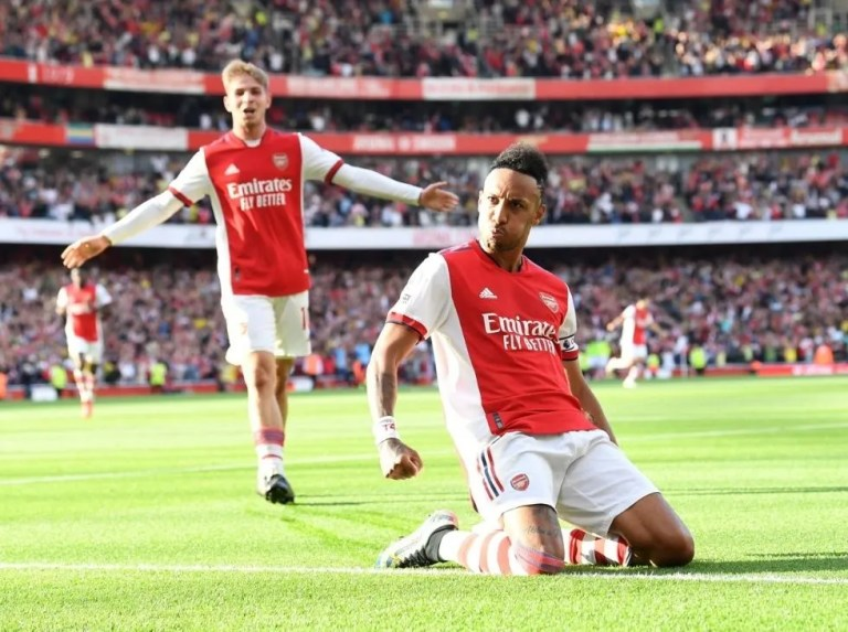 Arsenal aplastó al Tottenham en derby londinense