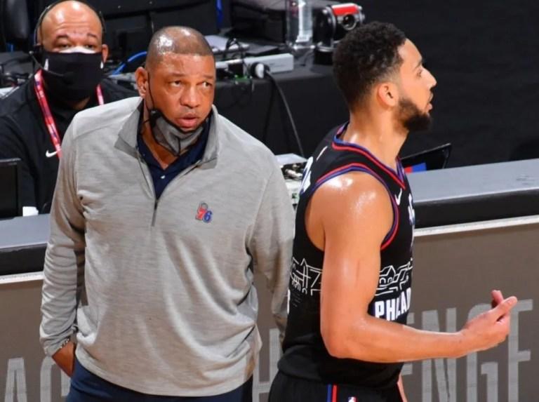 Los Sixers intentan recuperar su relación con Simmons