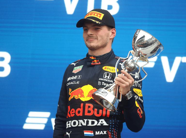 """Verstappen: """"La lluvia nos ha ayudado a dar el último salto"""""""