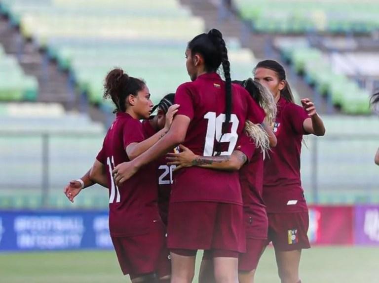 Vinotinto femenina goleó a las campeonas de la Futve