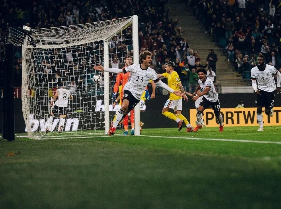 Alemania venció tras complicarse ante Rumania