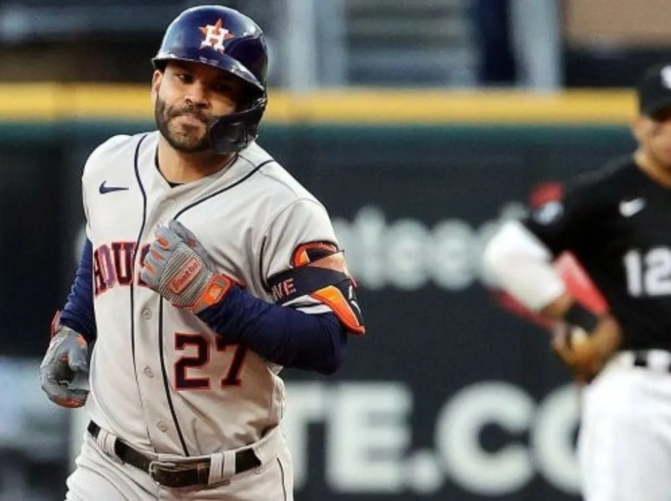 Altuve buried the White Sox and outplayed Jackson and Mantle in home runs