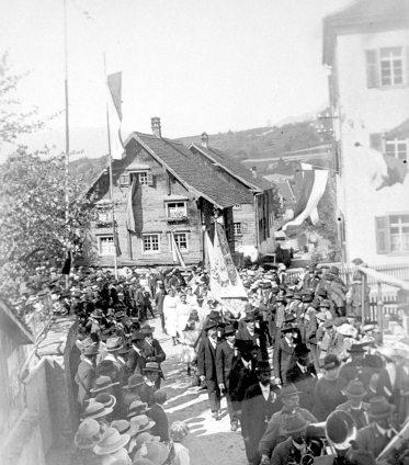 """Gasthaus """"Zur Sonne"""" im Kirchenbot"""