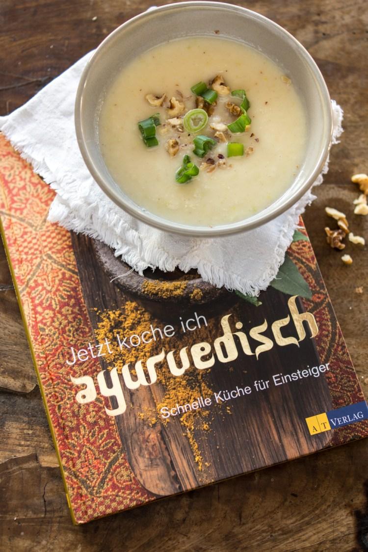"""Ingwer-Pastinakensuppe & Buchrezension """"Jetzt koche ich ayurvedisch"""""""