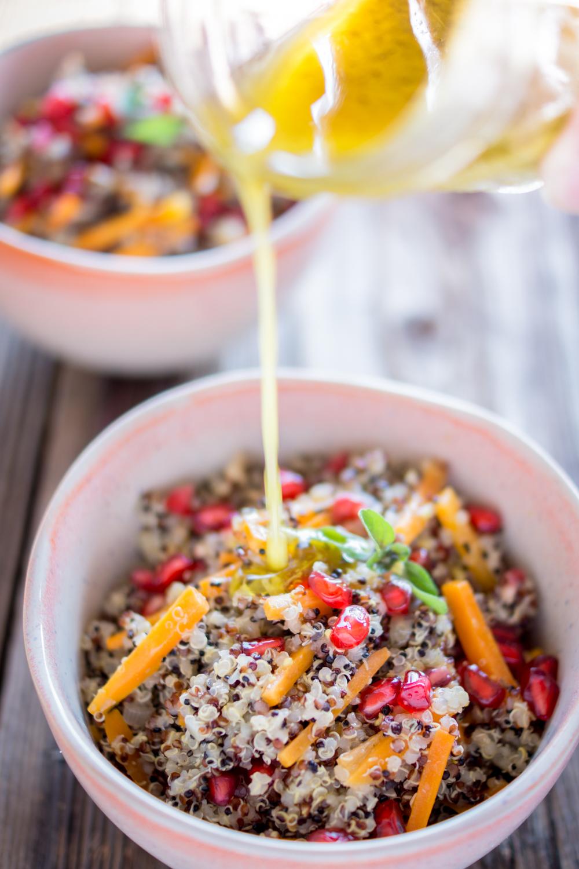 Quinoa Bowl mit herbstlichem Dressing