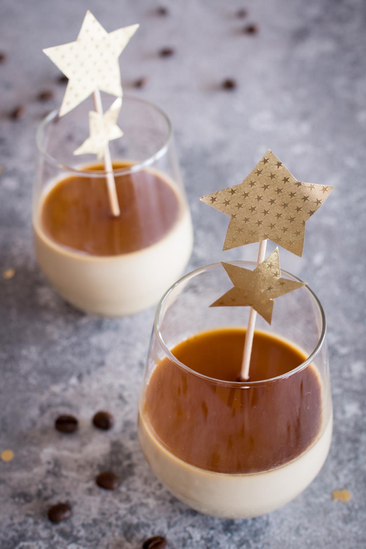 Einfaches Dessert im Glas: Kaffee Panna Cotta