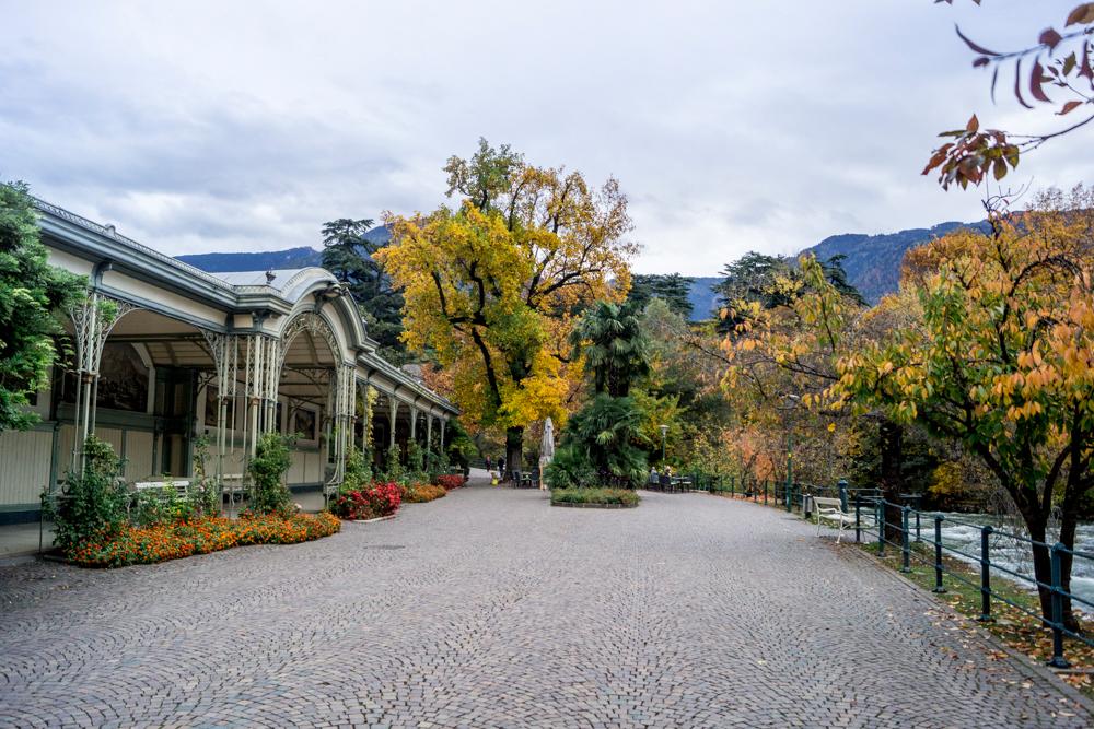 Wandelhalle an der Passerpromenade - Meran im Herbst | Südtirol Sehenswürdigkeiten und Tipps