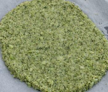 Low Carb Pizzaboden mit Brokkoli | Gesund und lecker - schnelles Rezept