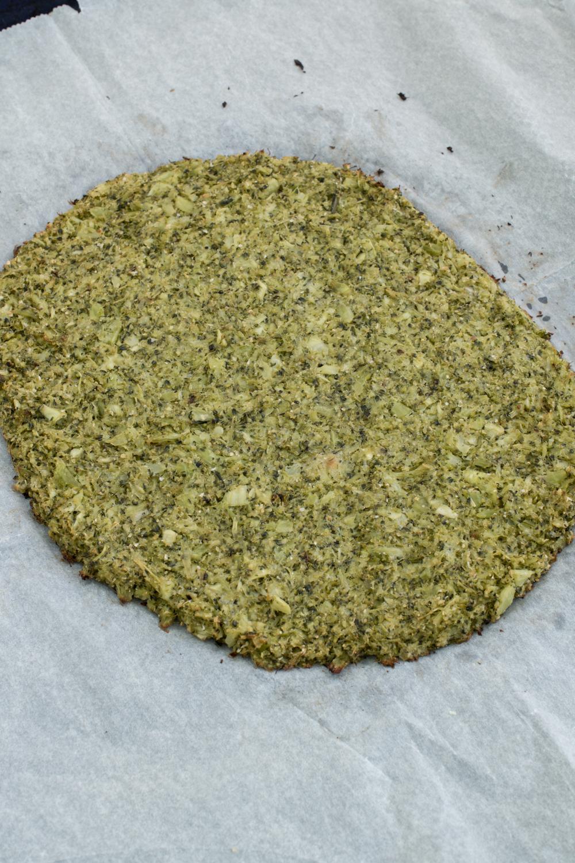 Vorgebackener Brokkoli-Pizzaboden | Low Carb Rezept