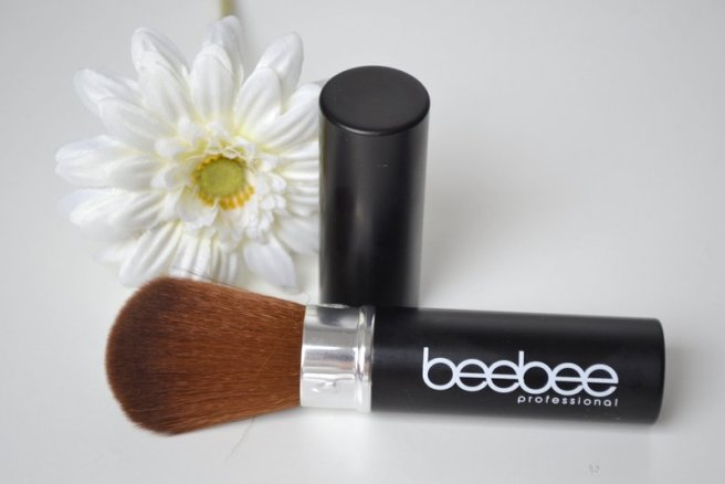beebee powder brush